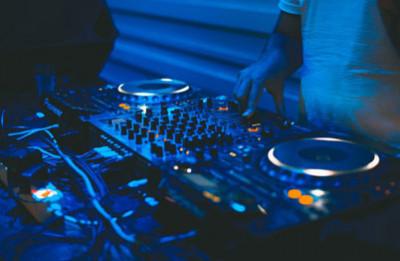 A DJ In Faridabad