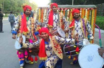 Raja Dhol and Punjabi Bhangra Party